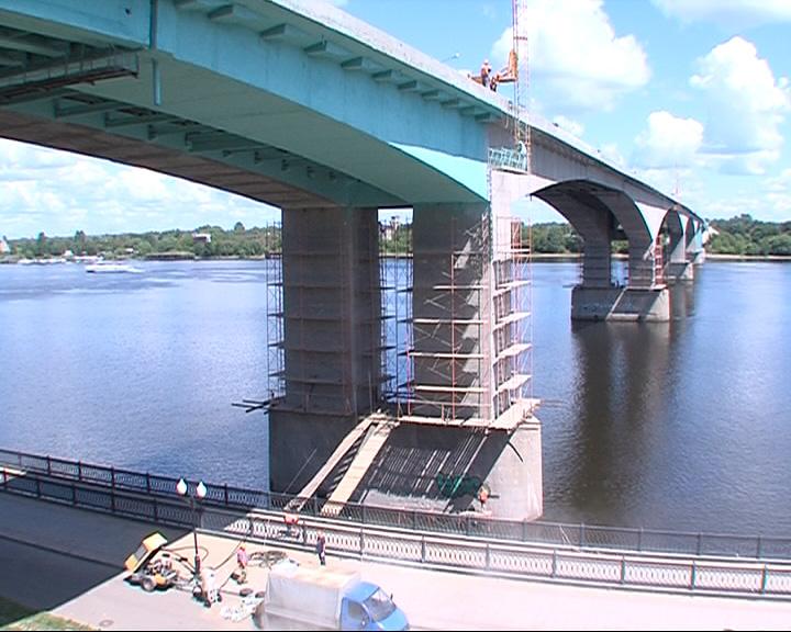 Архитекторы обеспокоены новым цветом моста
