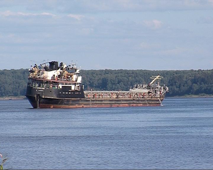 В Ярославской области на мели оказался очередной корабль