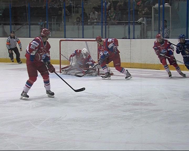Во дворце спорта «Торпедо» имени Сергея Николаева сегодня в 15:00 стартовал хоккей...