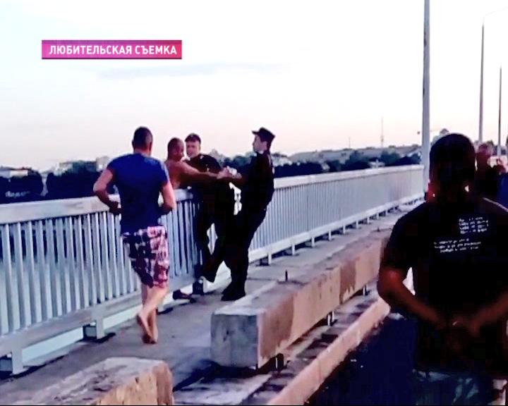 Накануне полицейские предотвратили попытку суицида
