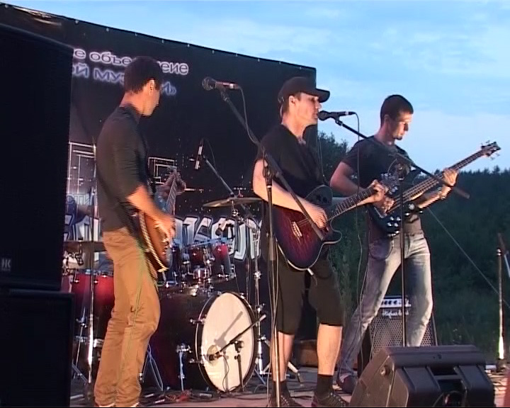 Состоялся фестиваль «Мы живем роком»