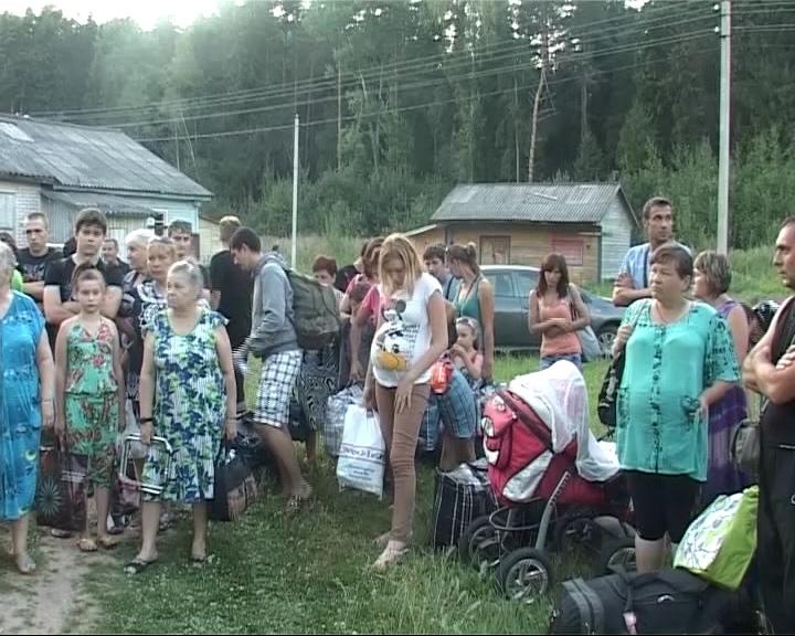 Более 100 беженцев разместились в детском лагере «Соть»
