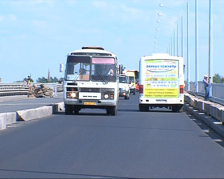 Октябрьский мост будет доступен для личного транспорта 1 сентября