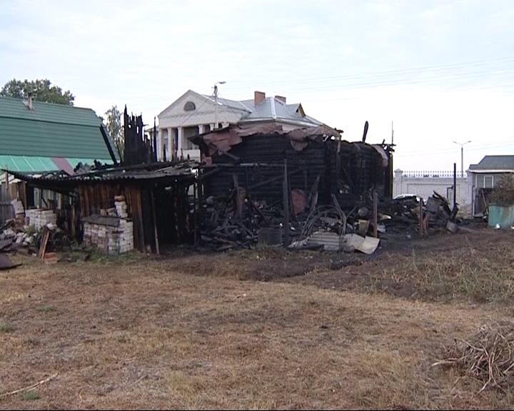 Соседний дом от пожара, словно по легенде, спасли гуси