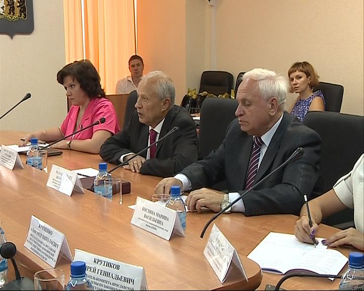 В региональном парламенте сегодня принимали коллег из Калуги