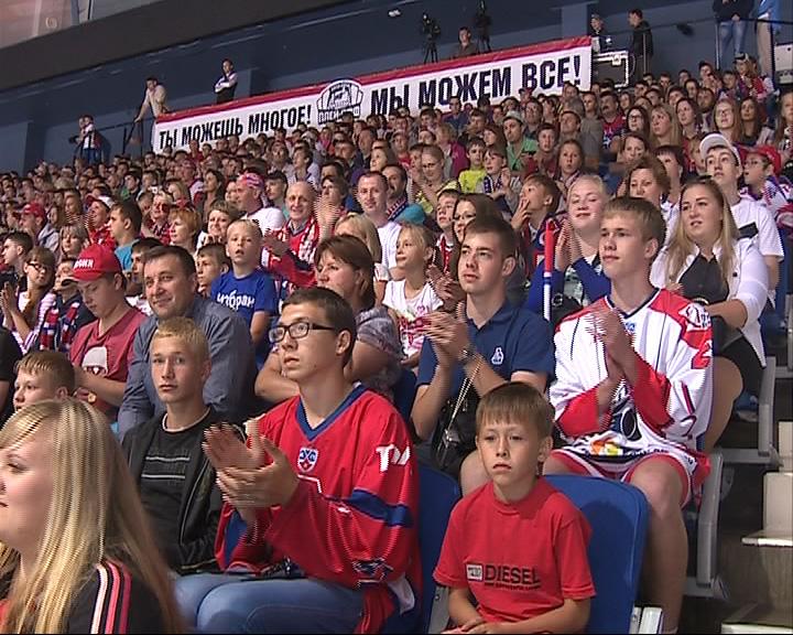 В Ярославле прошла традиционная встреча «Локомотива» с болельщиками