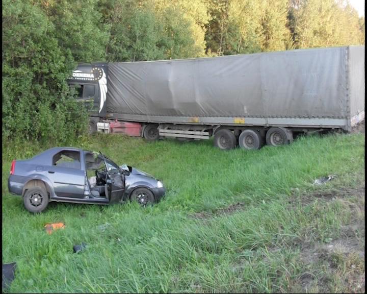 В аварии погиб водитель «легковушки»