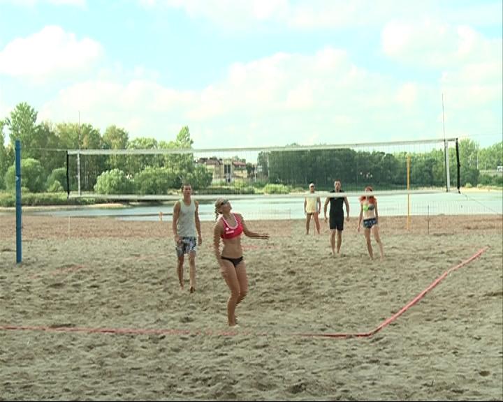 В эту субботу пройдет фестиваль пляжного волейбола «Фитнес без абонемента»