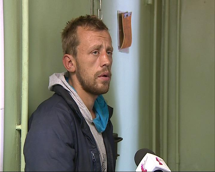 26-летний Виталий Лобанов выхватил барсетку у прохожего и чуть не зашиб его камнем