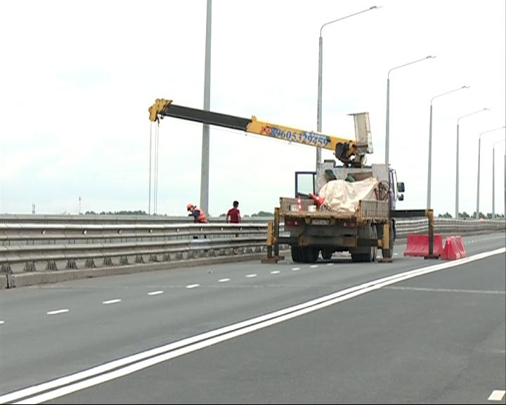 Октябрьский мост откроют в субботу утром