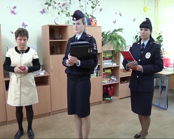Сотрудники полиции обследовали школы на предмет антитеррористической защищенности