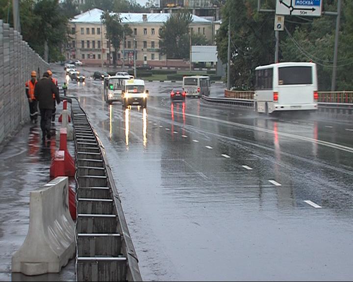 В субботу мост открыли для всех видов транспорта