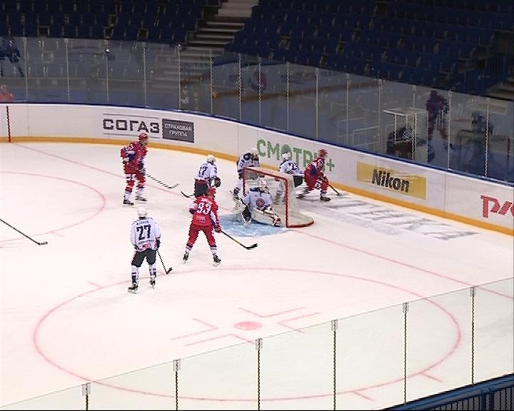 Стартовал хоккейный сезон: «Локо» провел первую игру, в которой обыграл «Капитана»