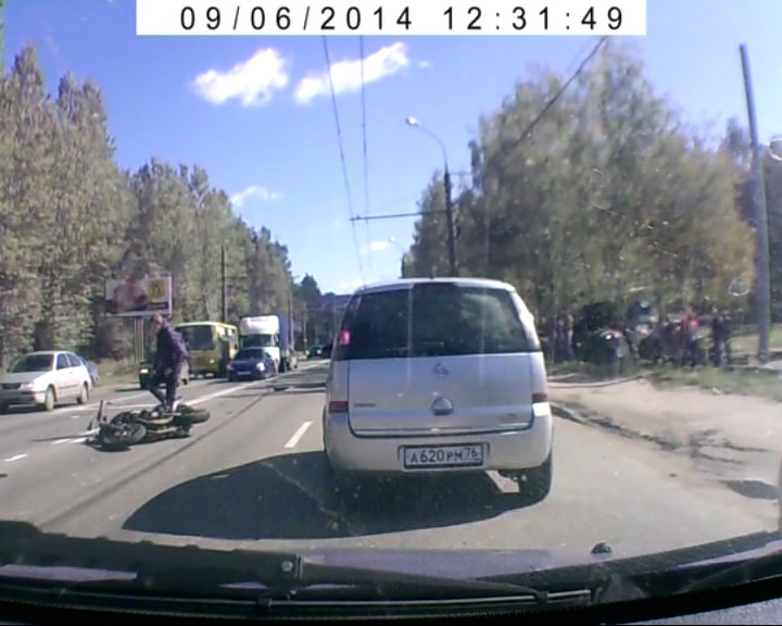 В районе остановки «Трамвайное депо» столкнулись «Ауди» и мотоцикл «Ямаха»