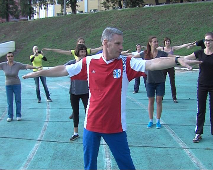 На стадионе «Спартаковец» прошел мастер-класс по парковой гимнастике