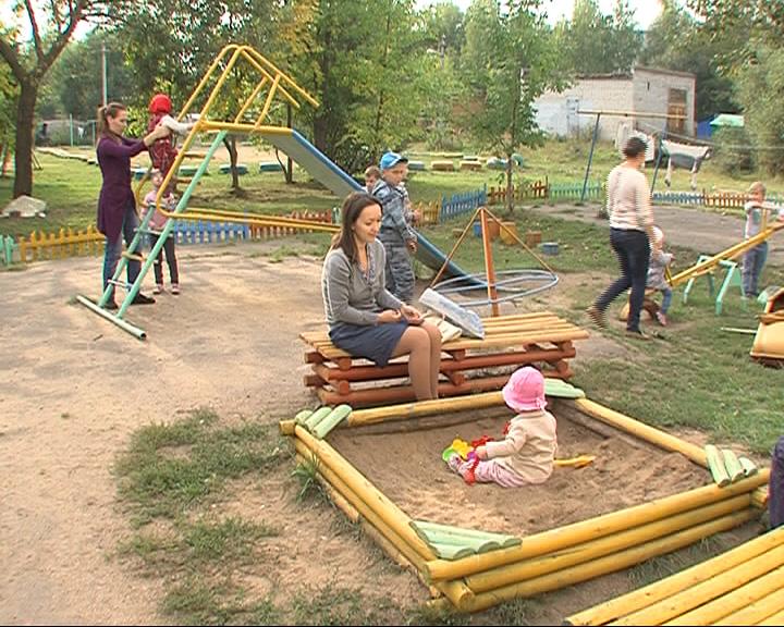 В самые лучшие дворы Ростова установят новые детские городки