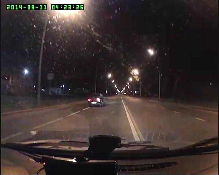 Уходил от преследования - проехал Рыбинск за 4 минуты