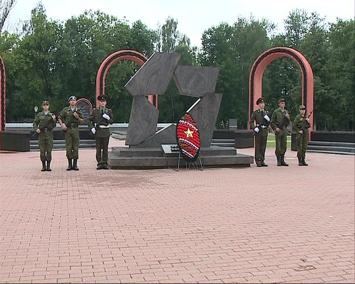 К 70-летию победы в ВОВ отремонтируют 12 памятников