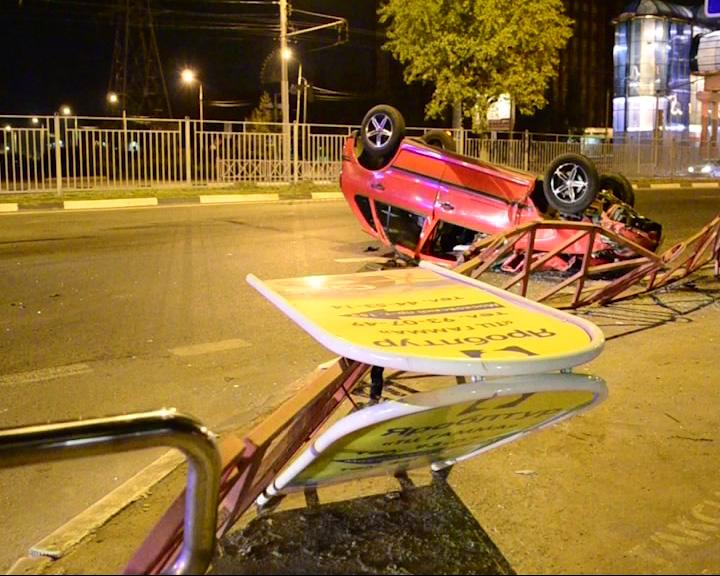 На Московском при перестроении произошла авария