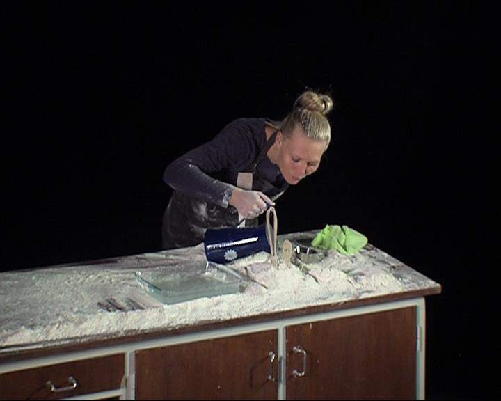 Камерная сцена театра драмы им. Ф. Волкова на несколько минут превратилась в настоящую датскую кухню