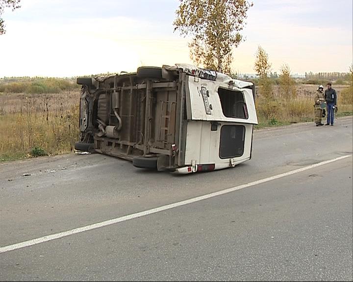 На окружной дороге в Ярославле перевернулись две машины