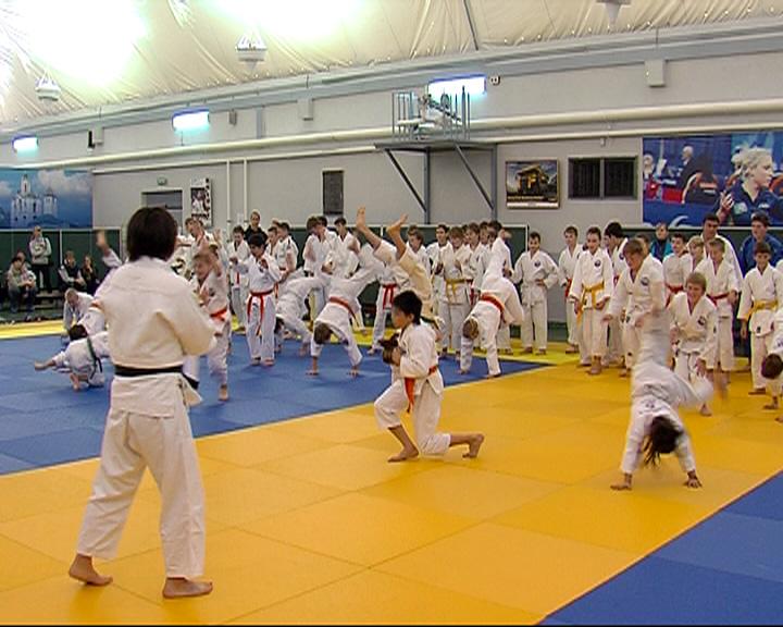 Олимпийская чемпионка по дзюдо провела мастер-класс для воспитанников ярославского клуба «Ареналь»