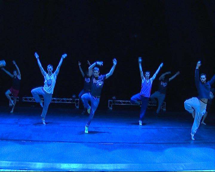 На сцене «Миллениума» представили новый шоу-спектакль с искусственным дождем