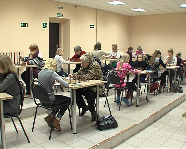 В Ярославле стартовал открытый чемпионат области по шахматам среди женщин