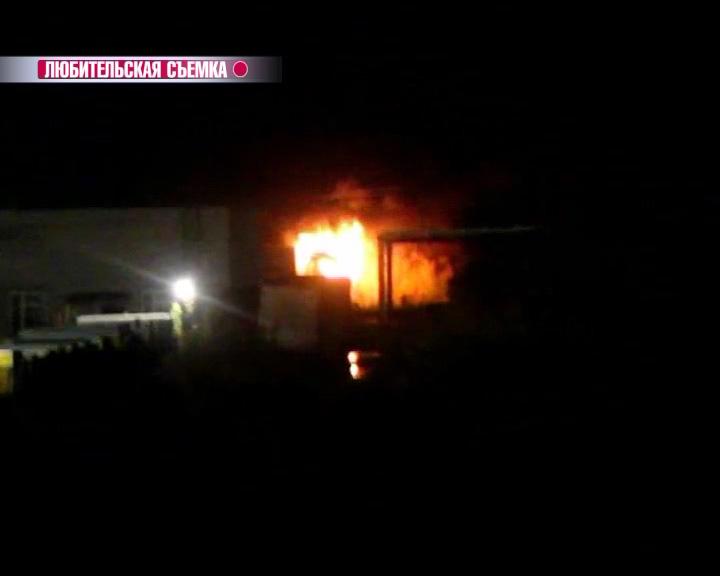 На улице Судостроителей в Ярославле полыхал грузовик