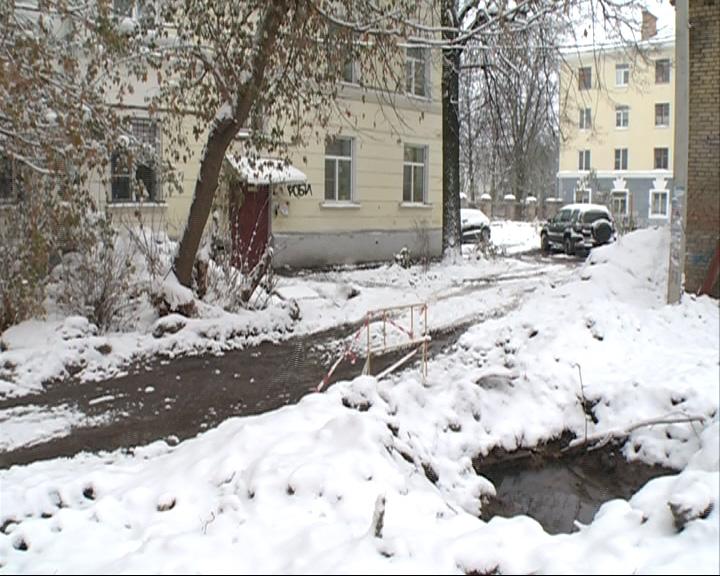 Жильцы 6 квартир в доме на улице Некрасова неделю живут без холодной воды