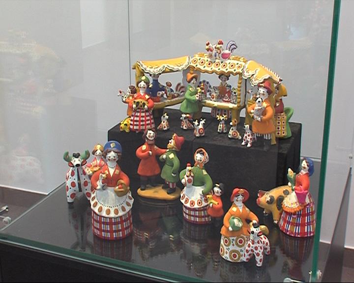 В Ярославском художественном музее открылась выставка глиняной игрушки
