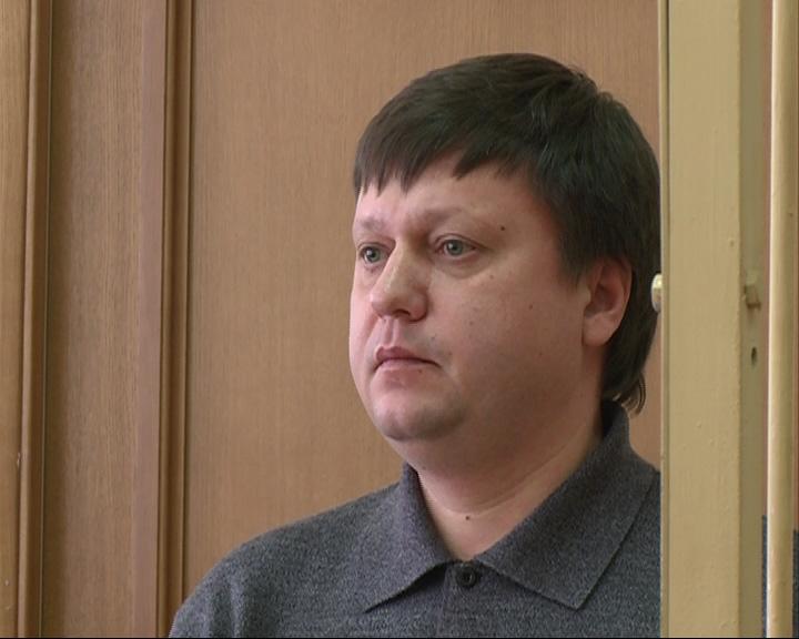 В Ярославле начался суд над экс-сотрудником полиции, который на «Лексусе» протаранил «Ладу»