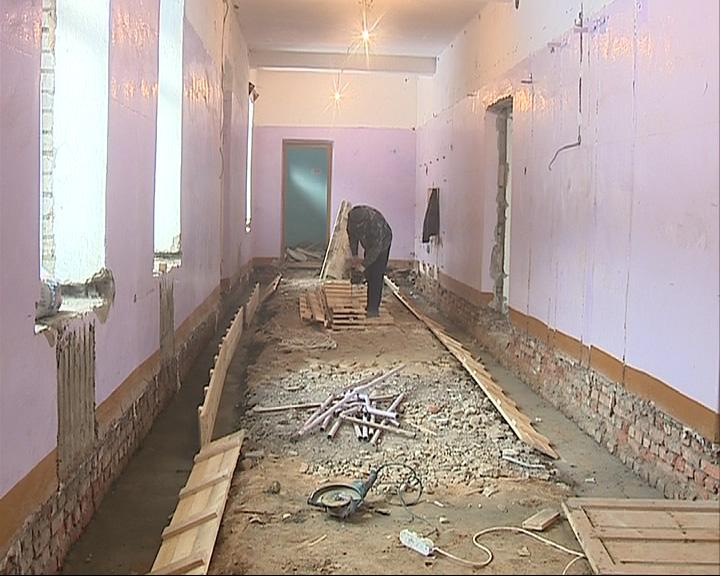 Председатель правительства Ярославской области Александр Князьков проверил стройки соцобъектов