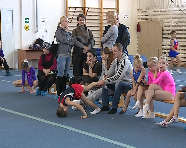 В Ярославле стартовало первенство по прыжкам на батуте