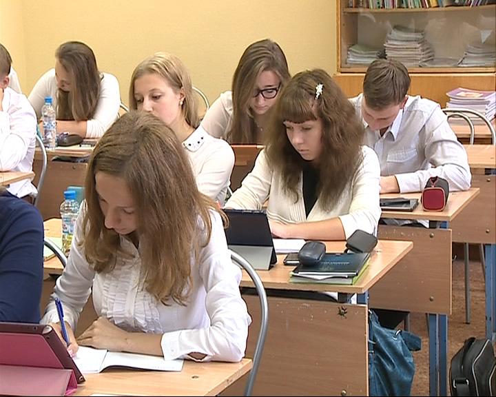 Министерство образования и науки предложило продлить срок приема документов в колледжи и ПТУ до конца декабря