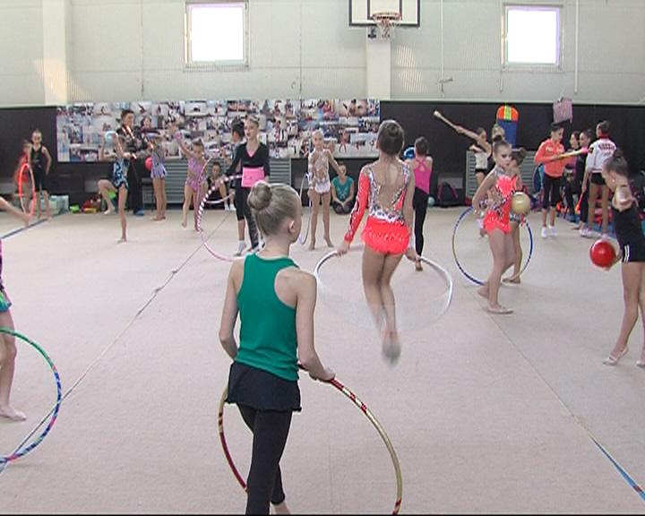 А Ярославле прошел турнир по художественной гимнастике «От дебюта к мастерству»