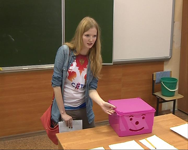 В ярославской школе старшеклассники ради эксперимента отказались от мобильников