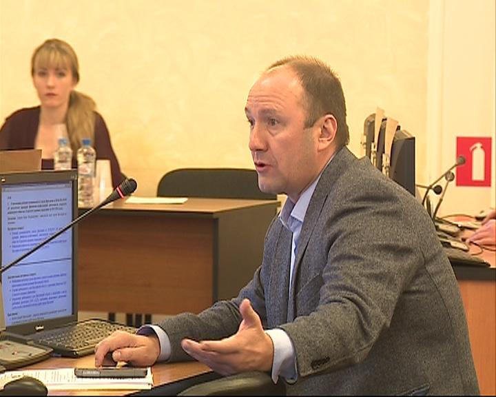 Депутаты муниципалитета устроили горячие споры о сделке по продаже ГДУ