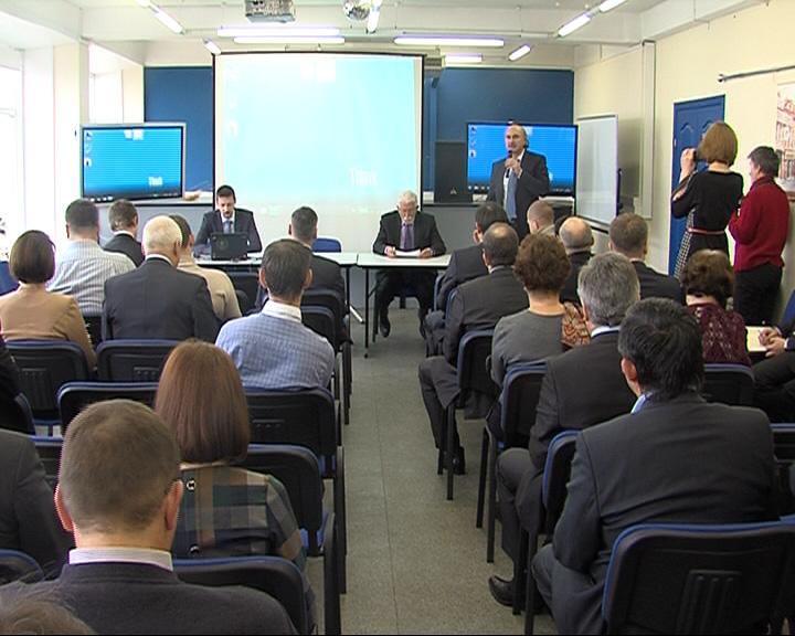 Руководители крупнейших ярославских заводов собрались в промышленной палате на встречу со специалистом минпромторга