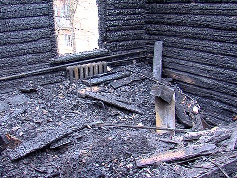 Из-за сильного пожара в Заволжском районе 36 человек остались без жилья