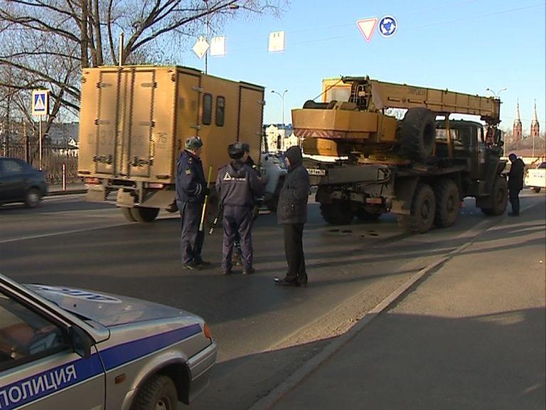 В Рыбинске автокран «Урал» насмерть сбил 76-летнюю женщину