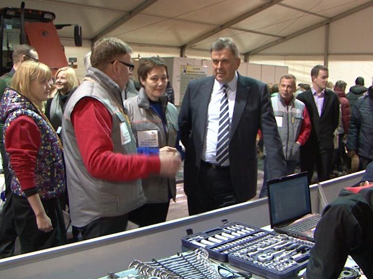 Глава региона посетил соревнования областного чемпионата профессионального мастерства «WorldSkills Russia»