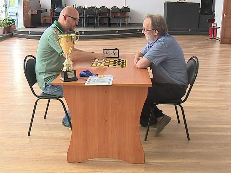 Сергей Каторгин стал победителем чемпионата России по стоклеточным шашкам