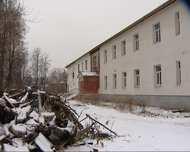 В Переславле-Залесском строители сбежали из детской поликлиники, где проводил капитальный ремонт