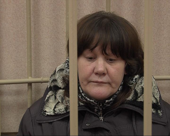 Суд оправдал женщину, ударившую мужчину 71 раз ножом