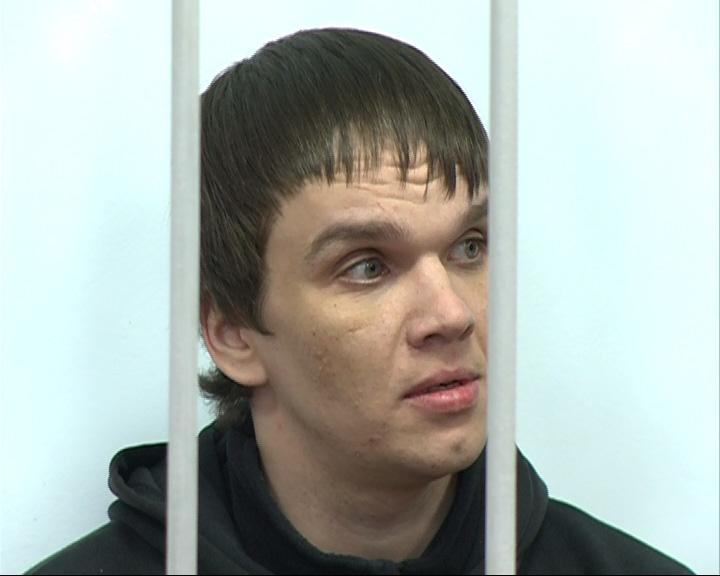 Дзержинский суд начал рассматривать дело о гибели инвалида, которого досмерти запинали пять человек
