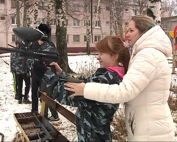 В Ярославле прошел новогодний спортивный праздник для отрядов юных друзей полиции
