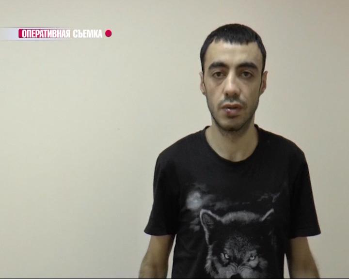 В Дзержинском районе парень с кулаками напал на женщину и вырвал сумку