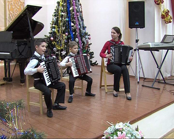 В поселке Борисоглебский прошел первый фестиваль семейных ансамблей «Гармония»