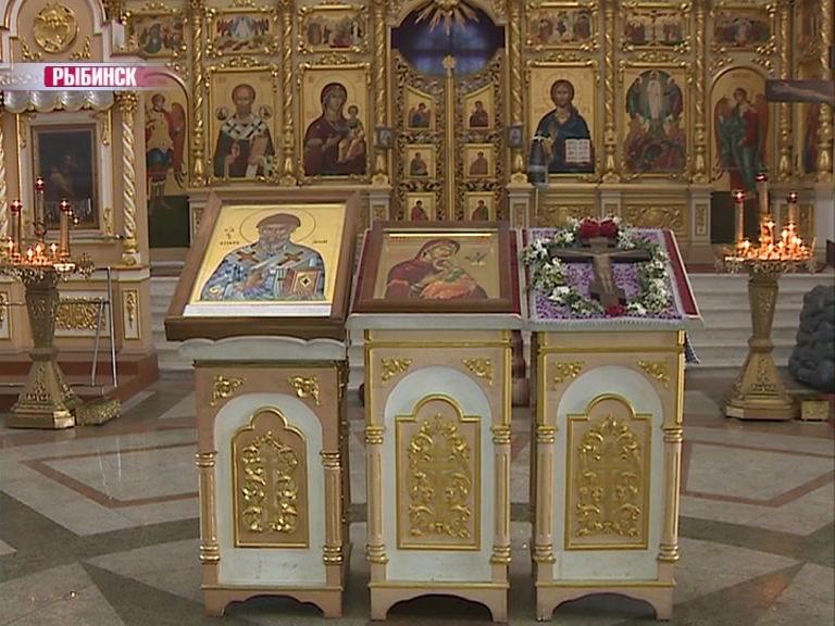 Рыбинской епархии подарили две иконы, написанные в Греции